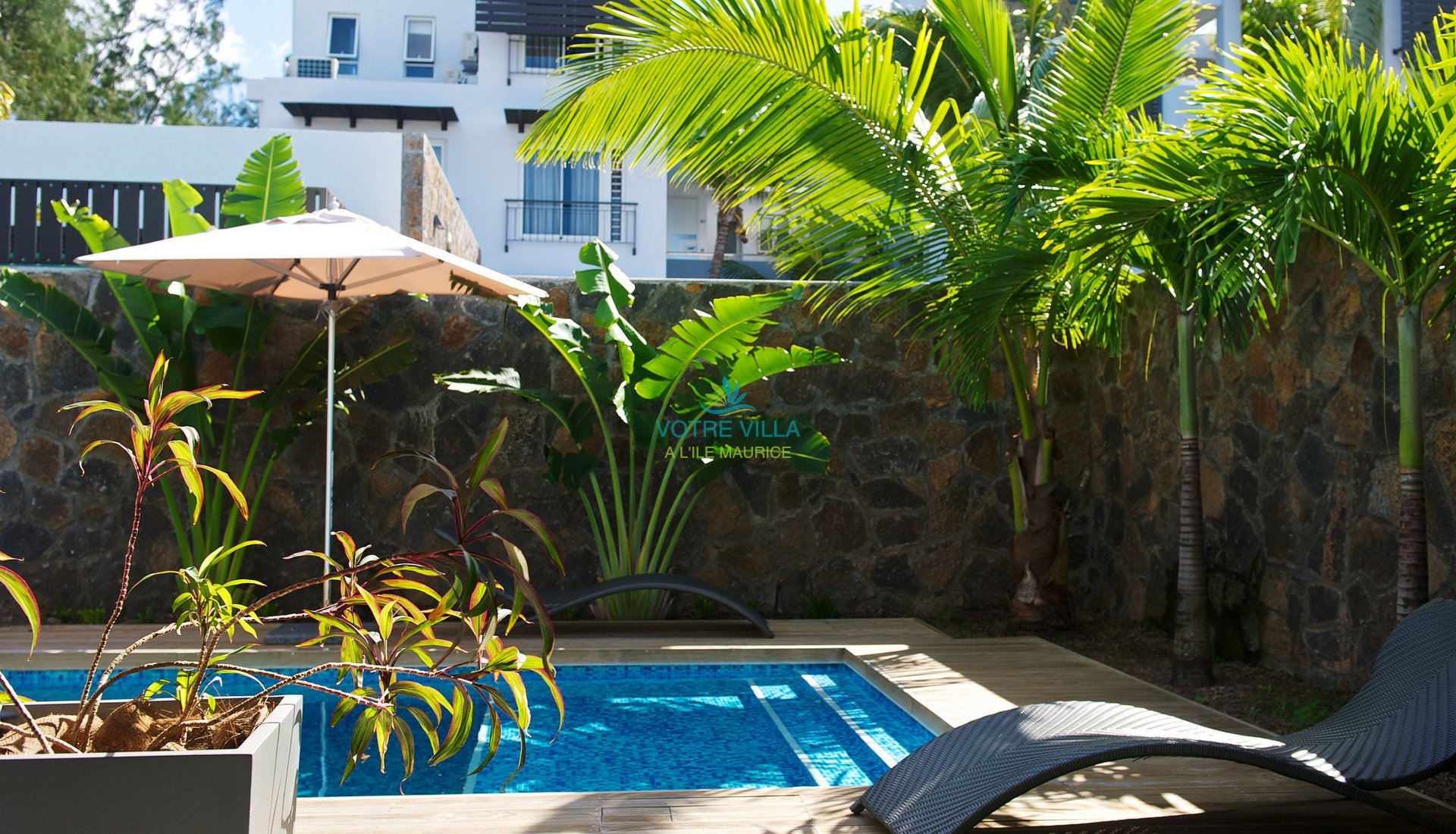Appartements de luxe plage bleue votre villa for Piscine seynod ile bleue