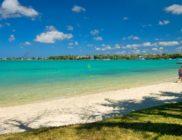 Créolia-Ile Maurice-plage à quelques mètres a droite
