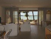 Palijo-villa-ile-Maurice-vue de la plage de l´interieur